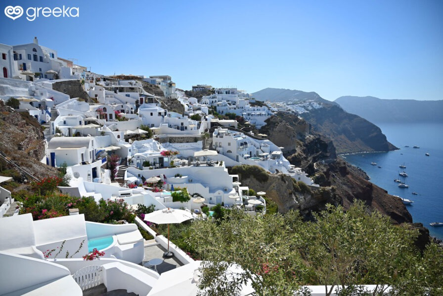 You are currently viewing Best Cave Hotels in Santorini